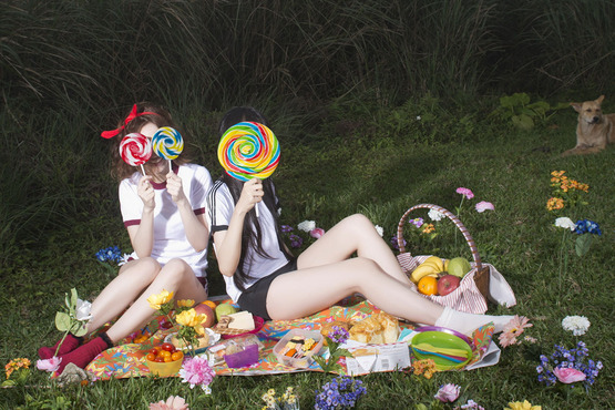 <strong>Picnic</strong><br />Chi-Yu Liao, 2013<br />Single channel video