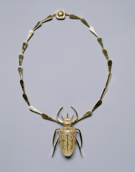 John Paul Miller '40 (American, 1918-2013). Necklace (1953). Gold, 7 x 4.6 cm (pendant). The Cleveland Museum of Art, Silver Jubilee Treasure Fund 1953.181