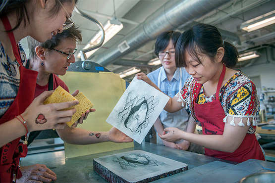 Print students visit from Taiwan